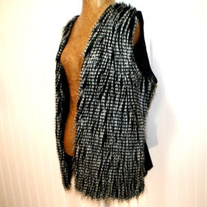 Gibson Latimer Large Black White Striped Fur Vest
